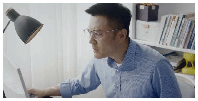 儿科医生:中年男人不容易,许秉泽要面对工作的压力,家庭的琐碎