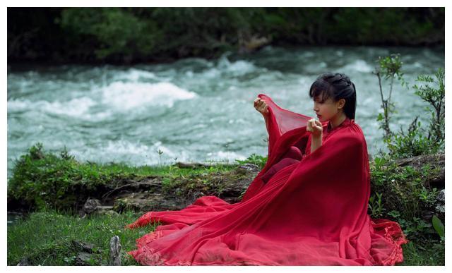 李子柒入选《财富》商界女性未来榜,用自己的经历讲述奋斗历程