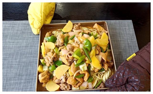 大热天不想做饭,老公出绝招,鲜美好吃一锅端,25元钱喂饱全家