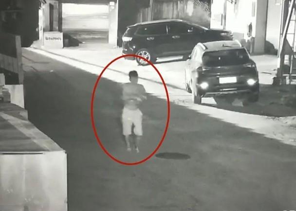 广东女婴被扔垃圾桶,90后父母:想要儿子的愿望破灭了