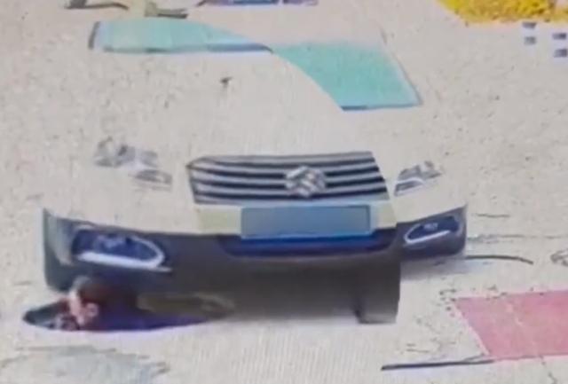 新疆一男子井下作业冒头时脑门被车碾过 现场一幕吓懵众人