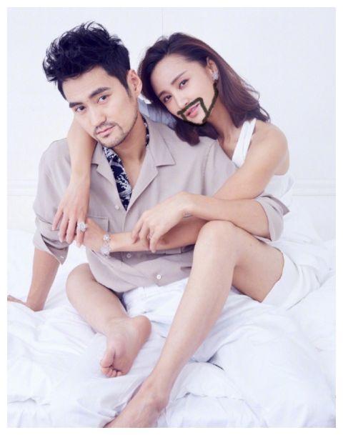 张歆艺晒夫妇合照给自己P胡子,打趣和袁弘是近亲结婚