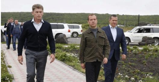 安倍迈出了危险一步,公开和俄罗斯叫板,将争议岛屿重新纳入版图