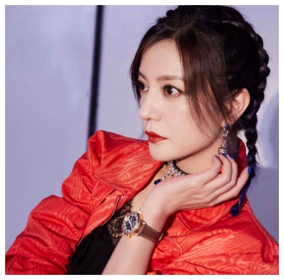 """公认""""最火""""的女演员,热巴仅第5,李沁差点登顶,榜首竟换成她"""