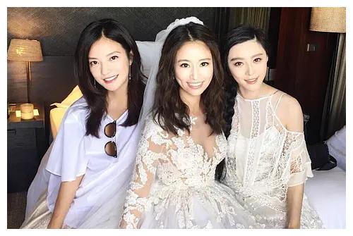 女明星婚纱:林心如刘诗诗简单大气,陈妍希戚薇最甜,baby的最贵