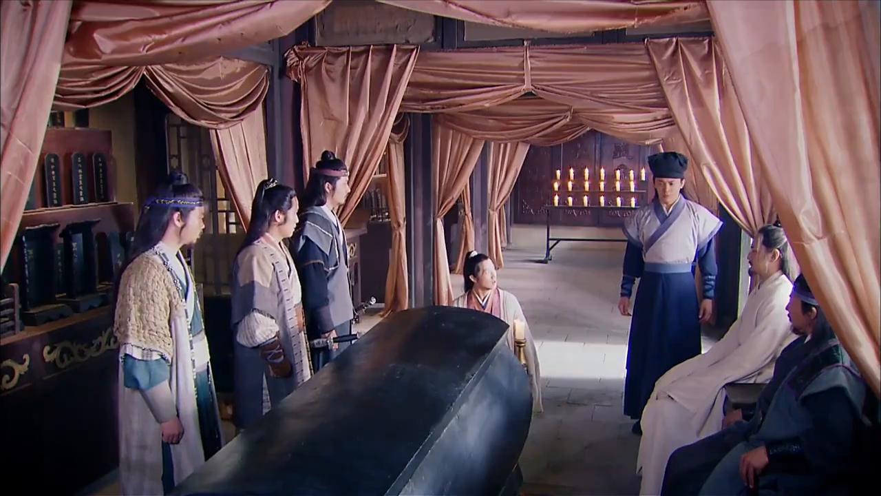 这个版本的尹剑平和张子健的尹剑平, 你们更加喜欢谁