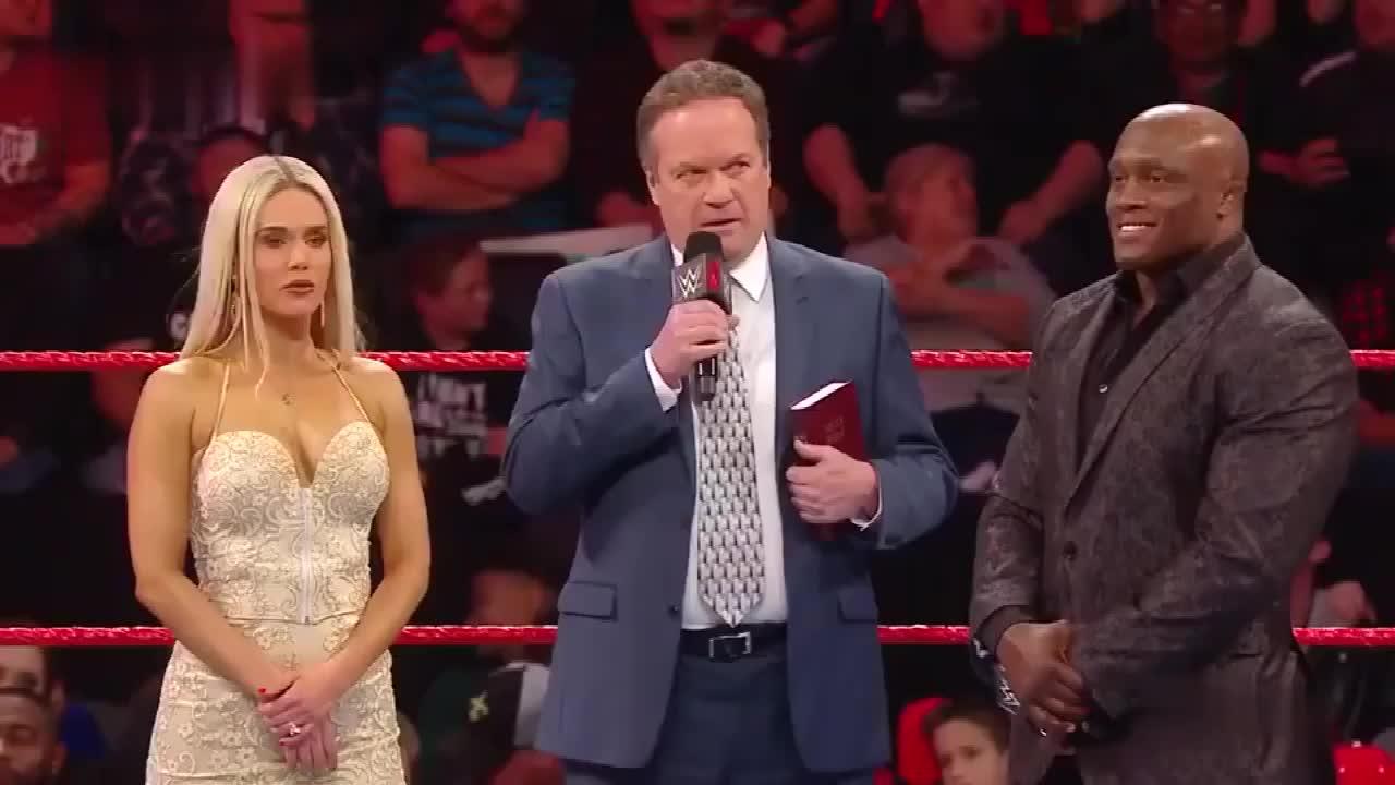 WWE卢瑟夫把前妻拉娜的丑照装订成一本相册,当作新婚礼物