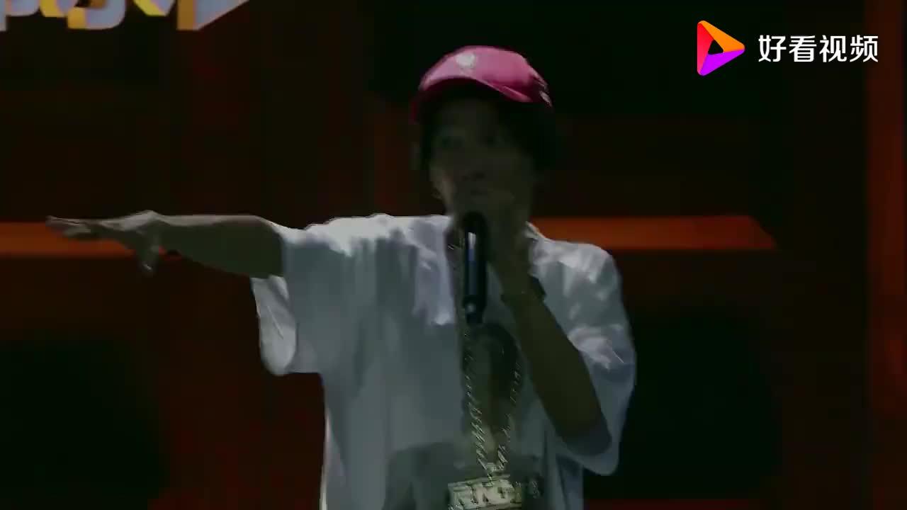中国有嘻哈,TT和卓卓唱出孩子的心声,令吴亦凡动容