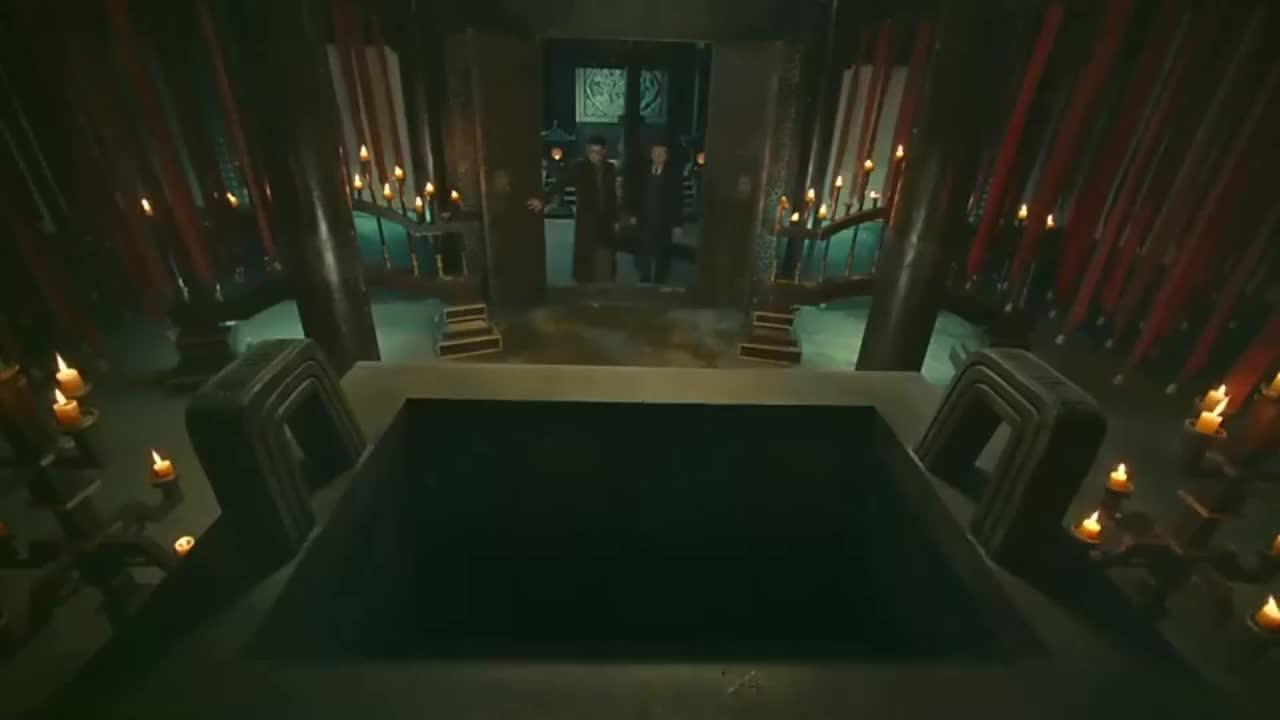 张家古宅太古怪了,竟把一个超大青铜器放在正厅,八爷都看懵了