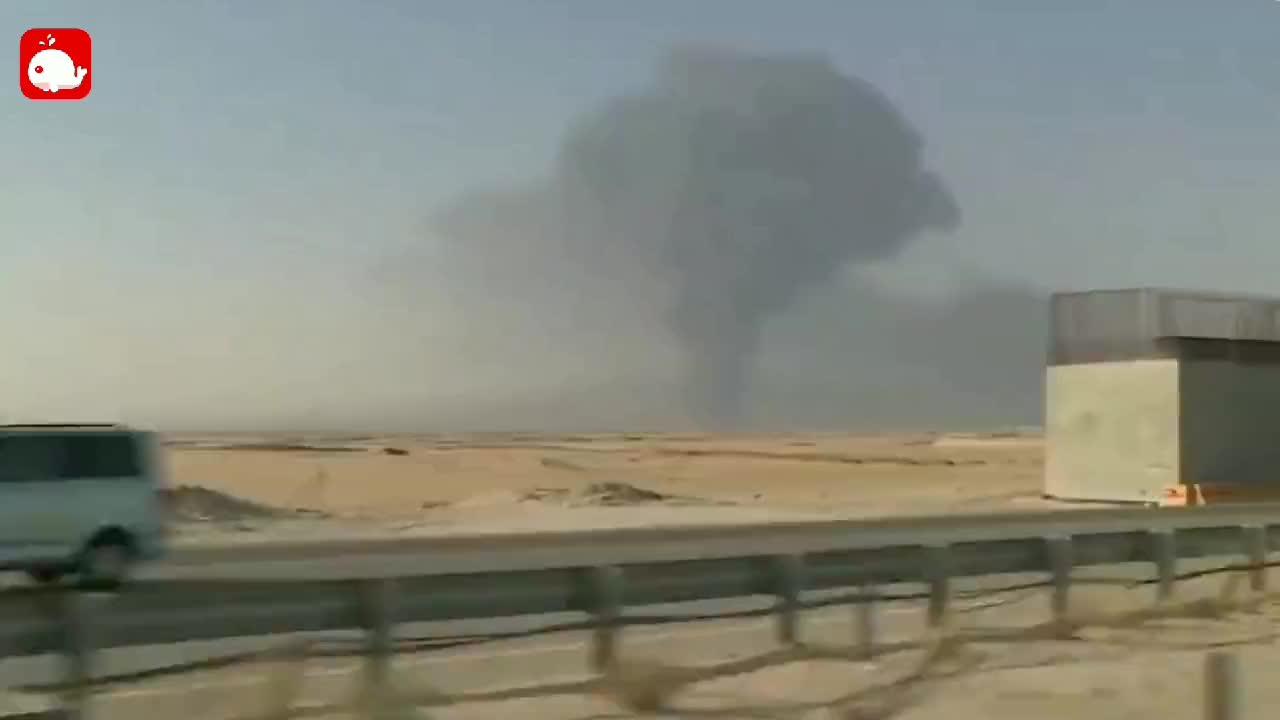 停战六周也门战端又起,胡赛武装遭沙特大规模空袭,首都一片火海