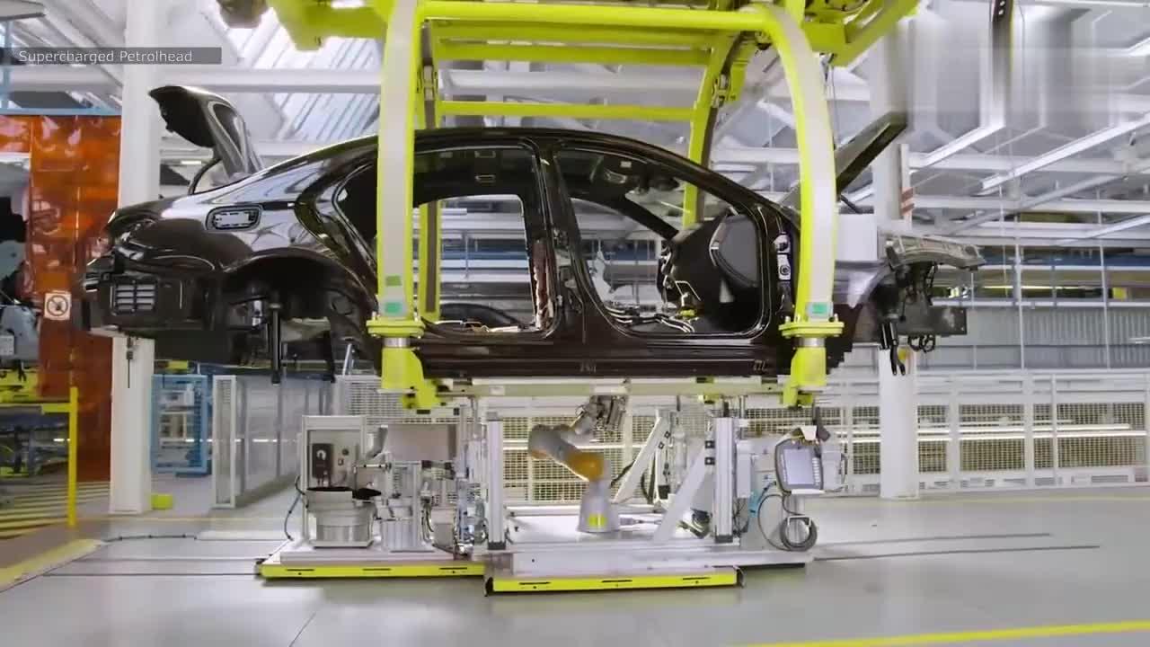 奔驰国外制造工厂,带你见识下豪车的诞生过程!