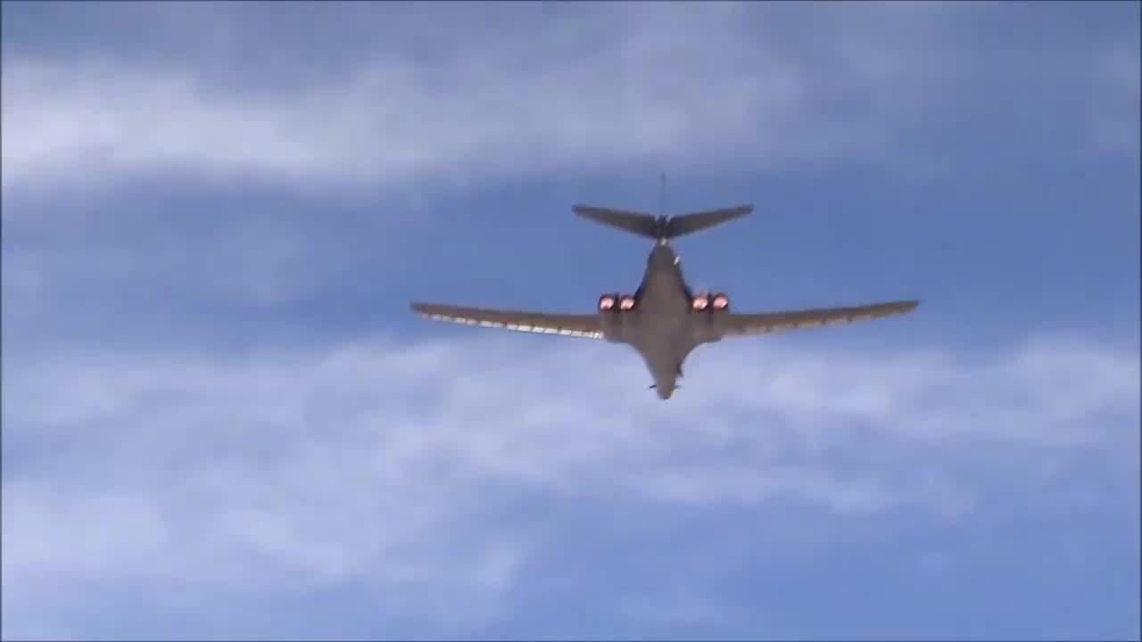 美国空军基地各种战机一应俱全,你认出几种?