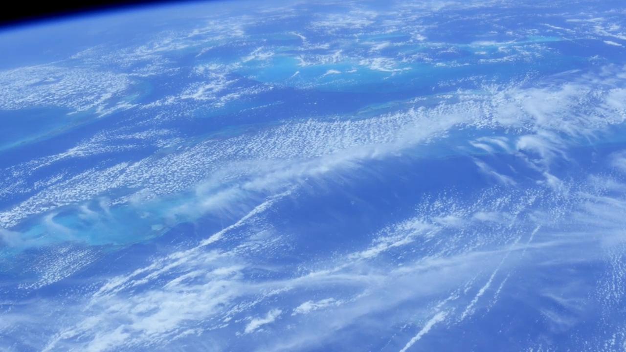 相当的精彩,宇航员从太空中拍到了地球的美景