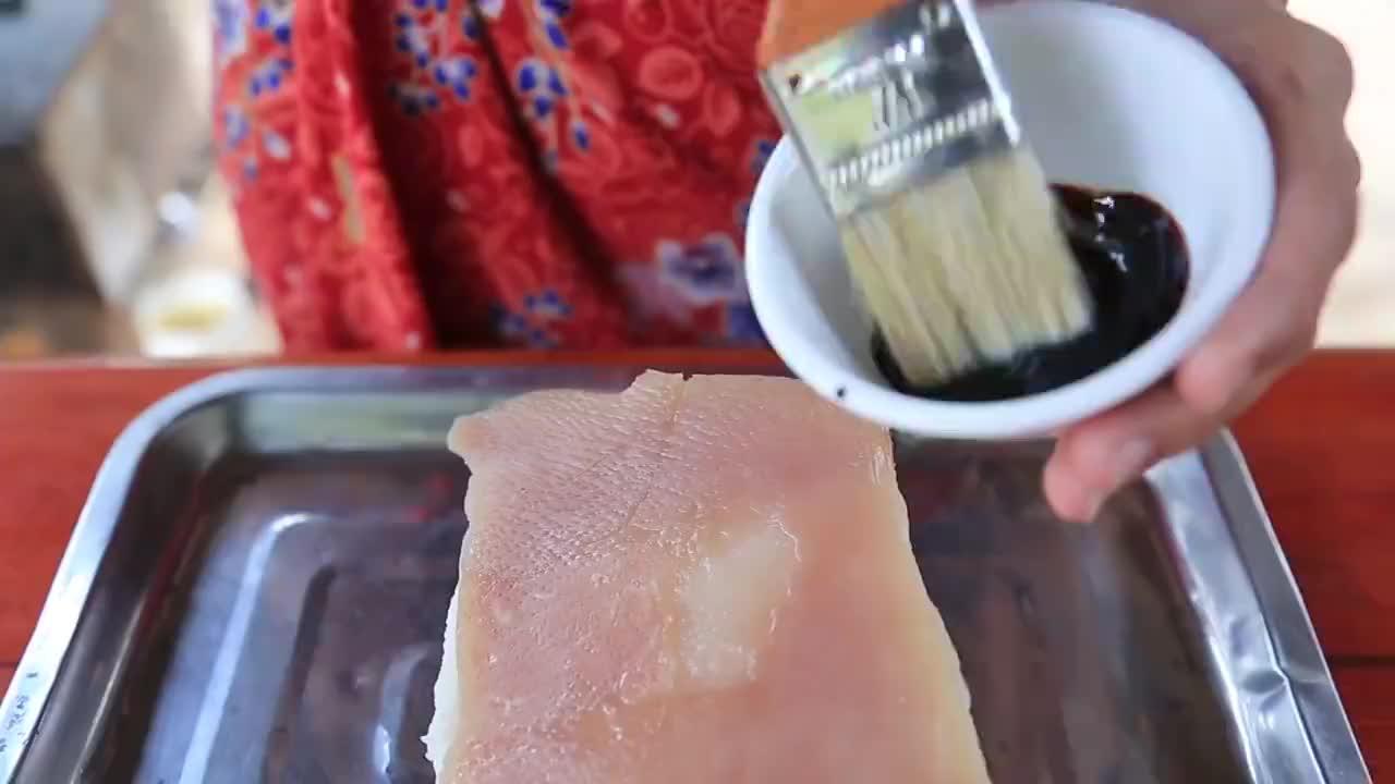 乡村特色美食之酸菜扣肉,口感香糯,滑嫩醇香