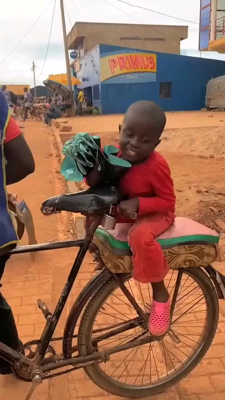 这个就是非洲的出租车是不是出乎你的意料