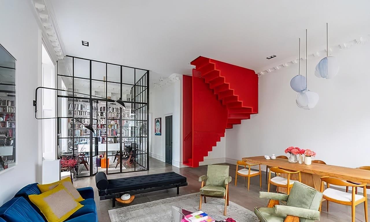 买两套小户型公寓打通合成150㎡,用玻璃隔断,大气上档次