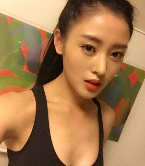 32岁张天爱,时尚又性感,又A又御姐,魅力无穷迷倒众生!