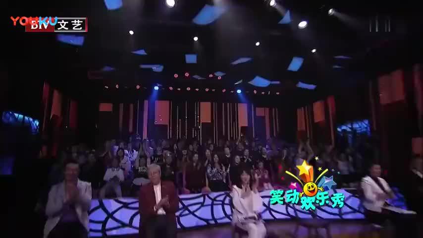 韩磊向颜鑫玥学习,现场叠起红蜻蜓想给柯柯一个惊喜,温暖人心!