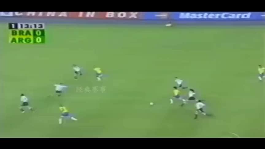 足坛最经典的帽子戏法,大罗一场比赛踢进了3个点球!