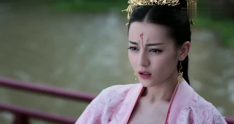 东华帝君变成凡人,被人一脚揣得飞进水里,这么狠是有多大仇