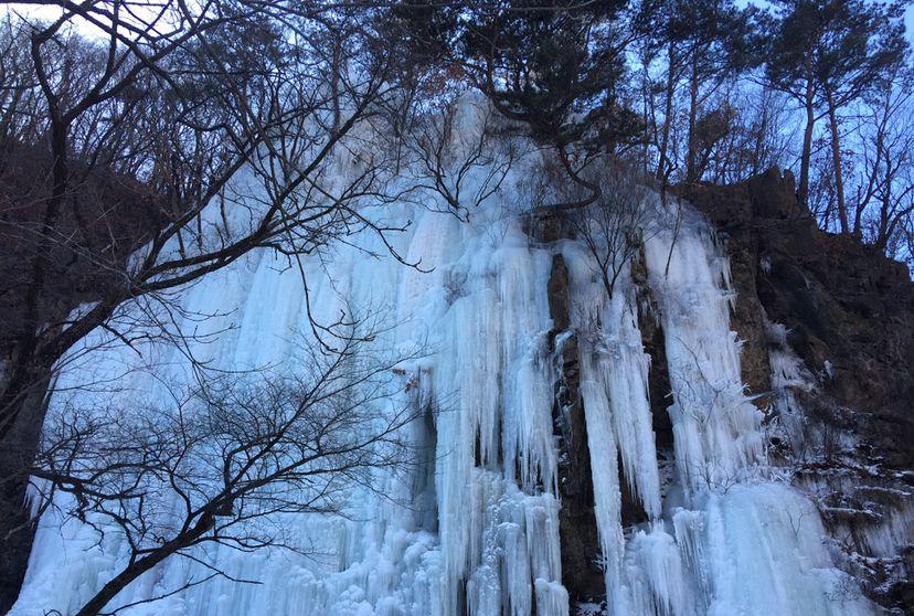 关门山:错过了秋日的枫叶,不要错过冬日的冰瀑