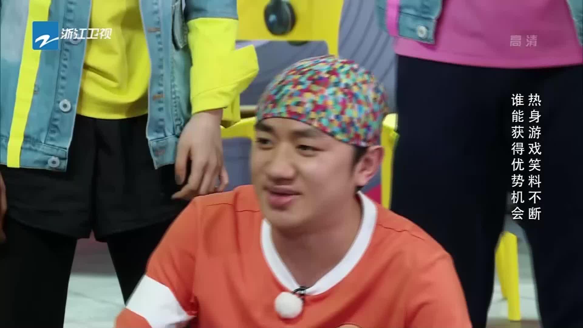 王祖蓝玩打人游戏太惨了,一秒猜出是凯丽,直呼手都打出汗了!