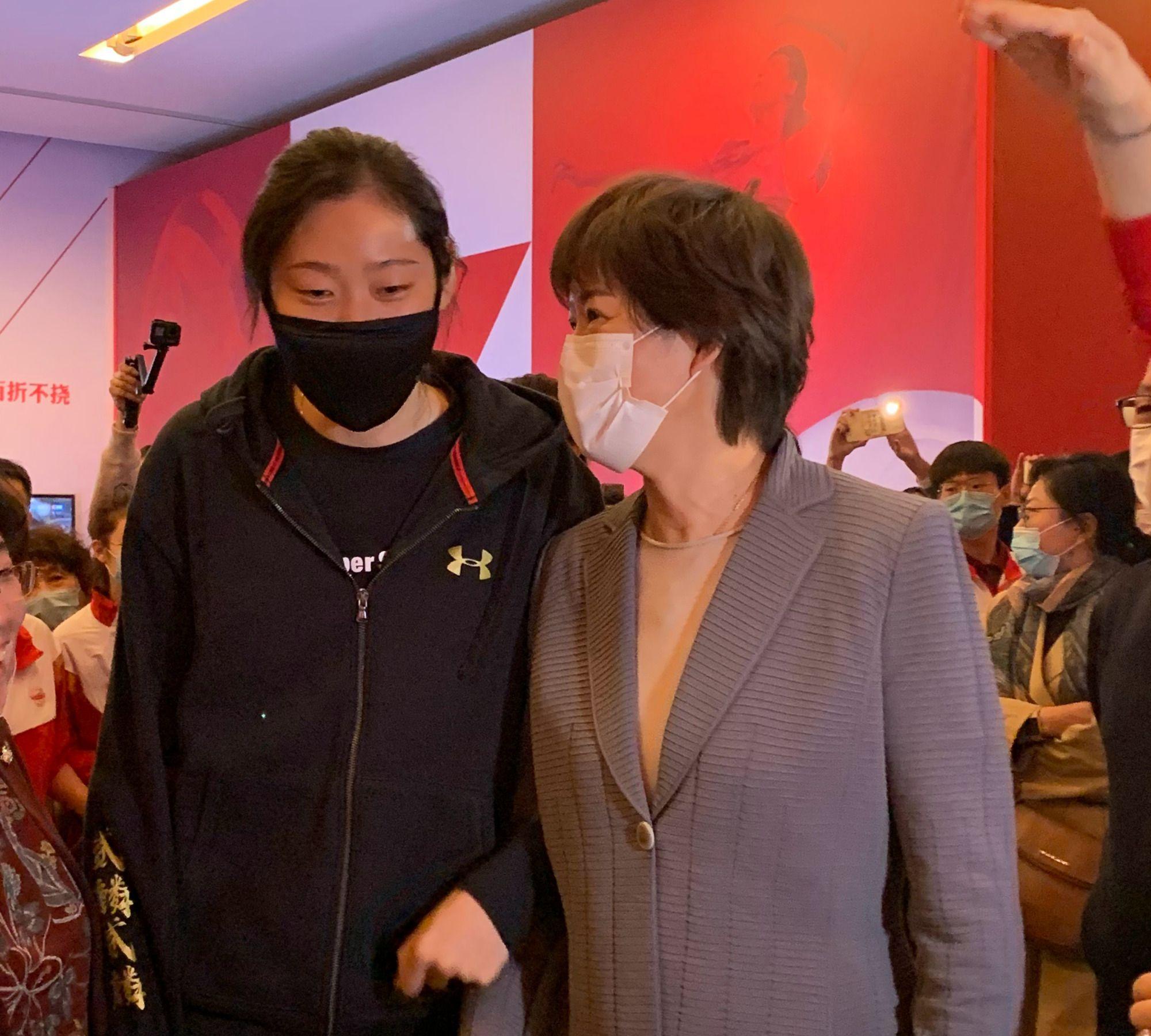 郎平&朱婷!郎妈携爱徒现身《国家荣耀——中国女排精神展》