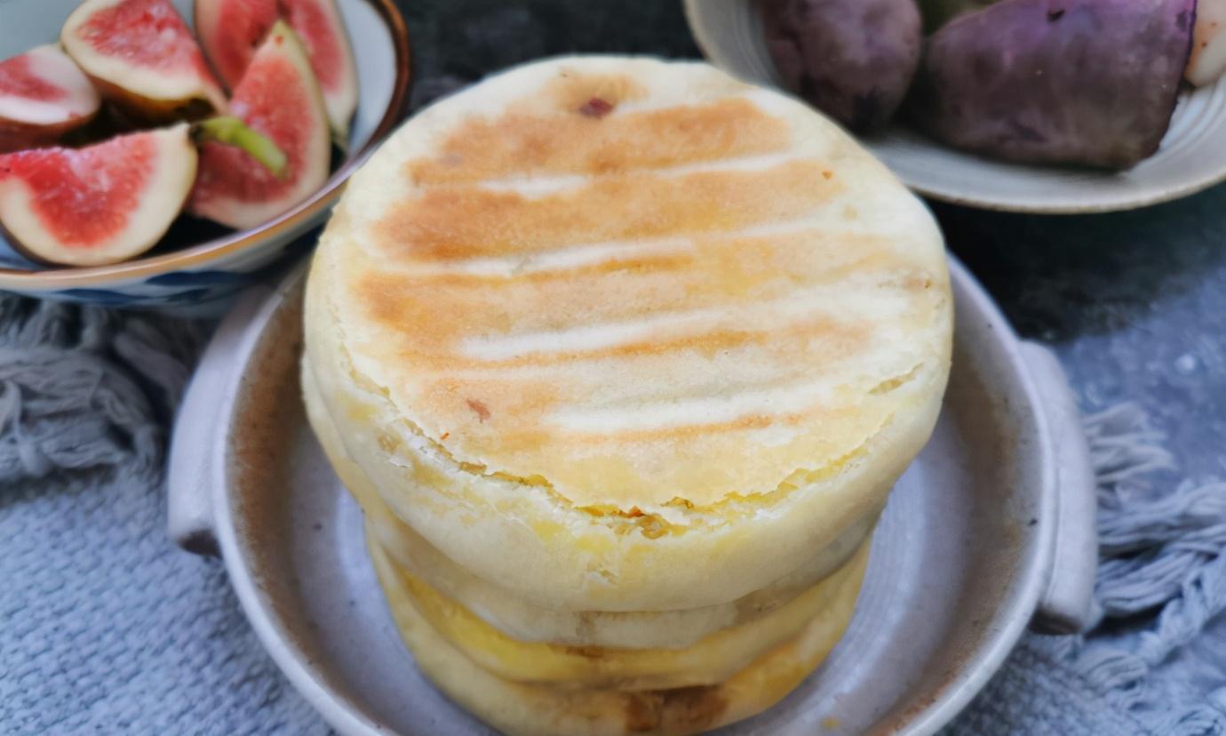 秋天吃早餐,孩子迷上了这小饼,比馒头包子简单,多吃不长肉