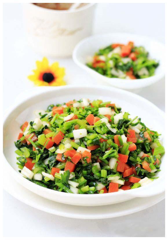 美食推荐:蟹柳白菜卷,凉拌毛芹菜,翡翠拌蚬子的做法