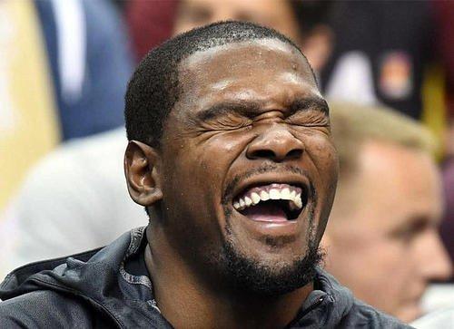 NBA最强键盘侠,杜兰特支持快船后与球迷在网上逼逼赖赖