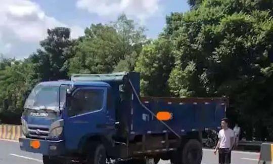 突发!广东梅州一人被泥头车辗压,当场死亡!