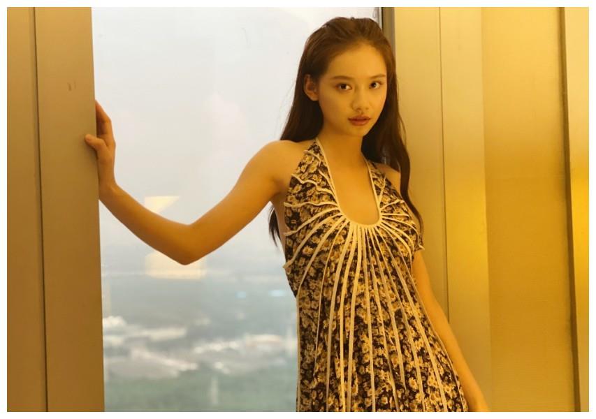 孙伊涵写真,娇俏可人,如邻家小妹般可爱