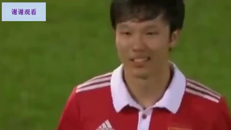 中国足球最可惜天才!邓卓翔要求延迟换人多经典?任意球斩杀法国