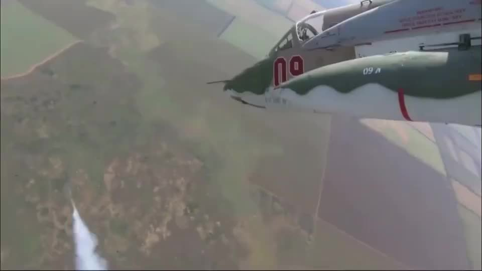 防空导弹都无法击落的攻击机,苏25强击机