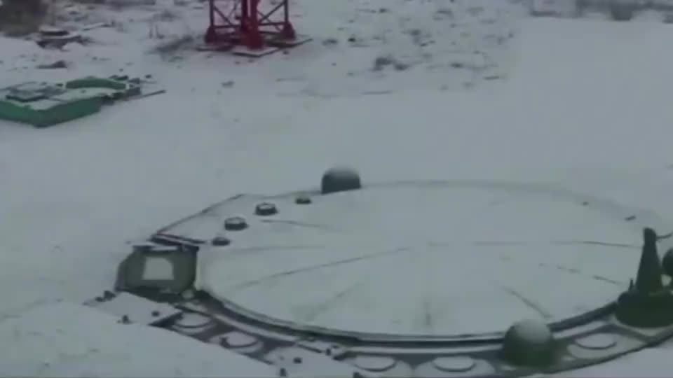 俄罗斯重武器宣传片:导弹发射、火箭炮急速连射、空投炸弹