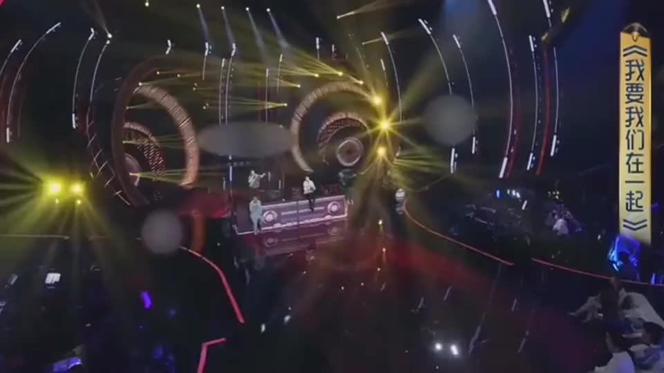 陈小春、常石磊、王源、GAI超稳舞台现场,经典串烧无缝衔接