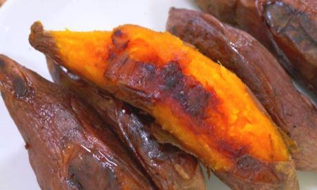 电饭锅烤红薯,不放水也不加糖,红薯个个流糖汁,好吃不上火