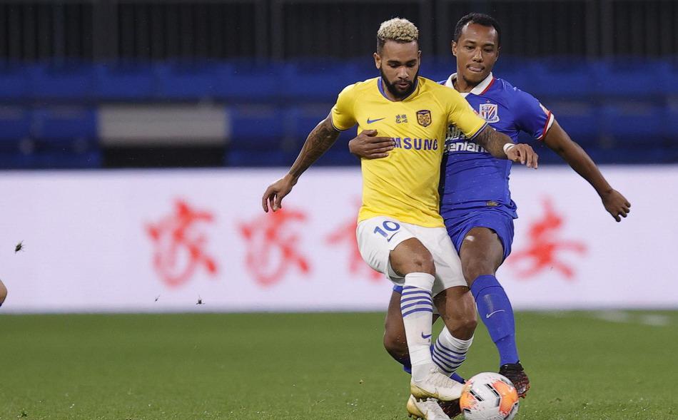 上海申花0比0江苏苏宁,中超7轮不胜,新援马丁内斯替补出场
