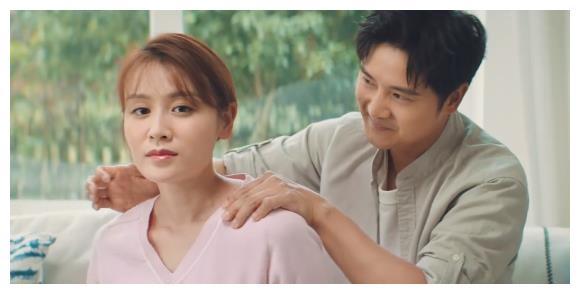"""田亮夫妇带孩子拍广告,12岁森碟用""""替身""""引热议:不像一家人"""