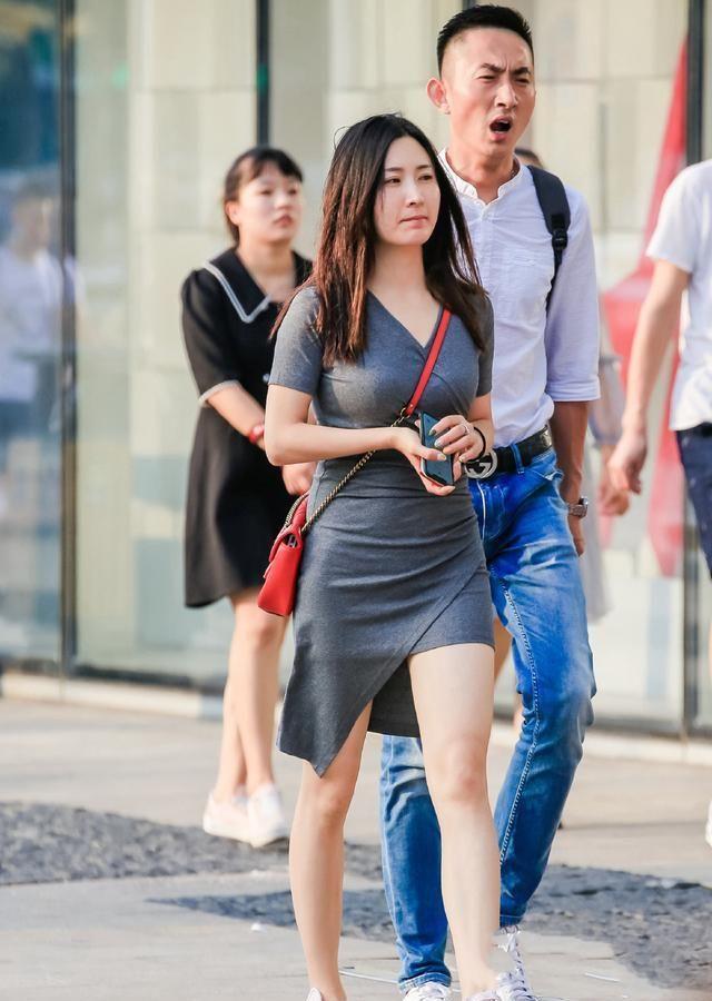 时髦的裙子比裤装更灵动,比裤装多一份优雅