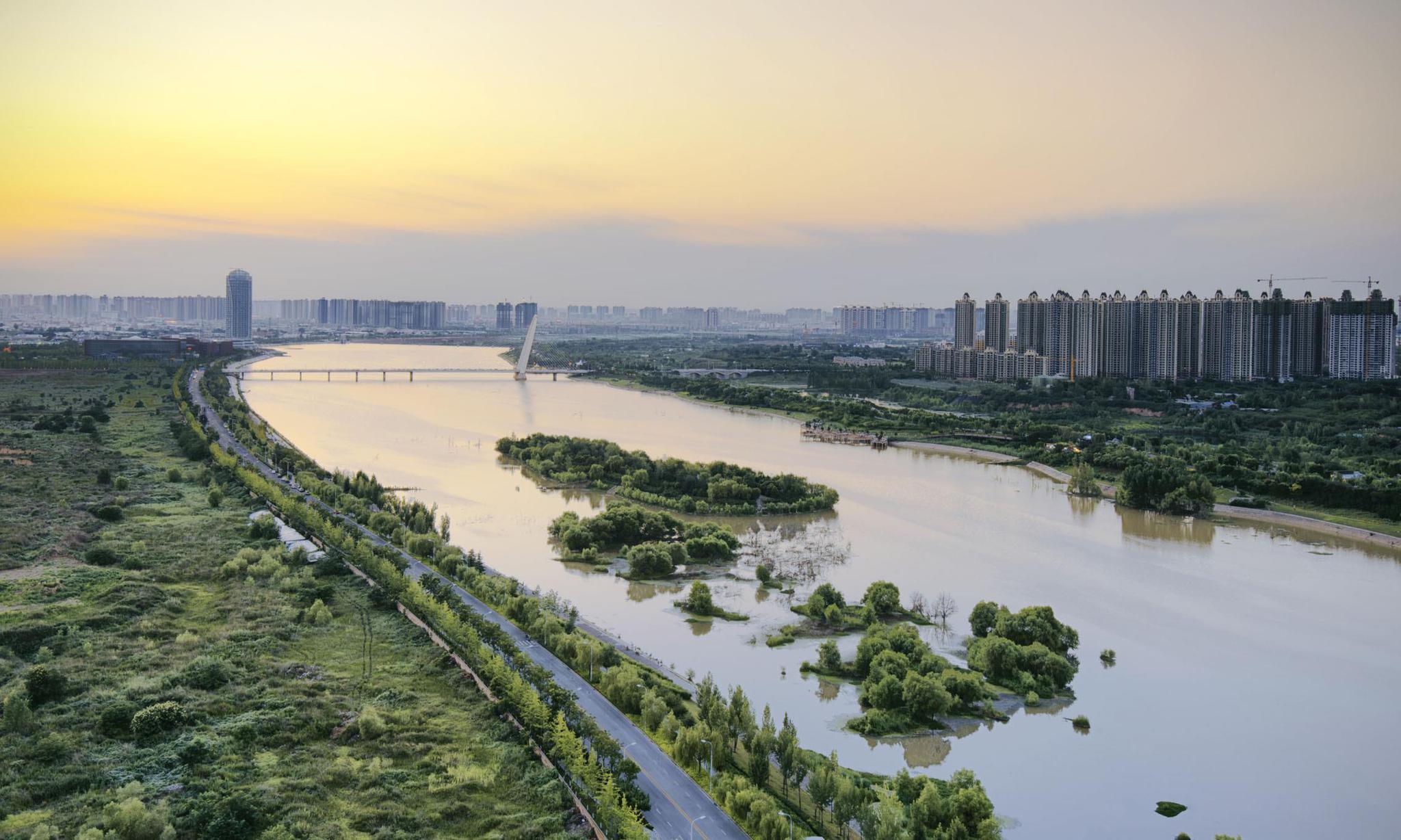 西安灞桥区灞河田王桥经常拥堵 市民建议加快分流路网建设