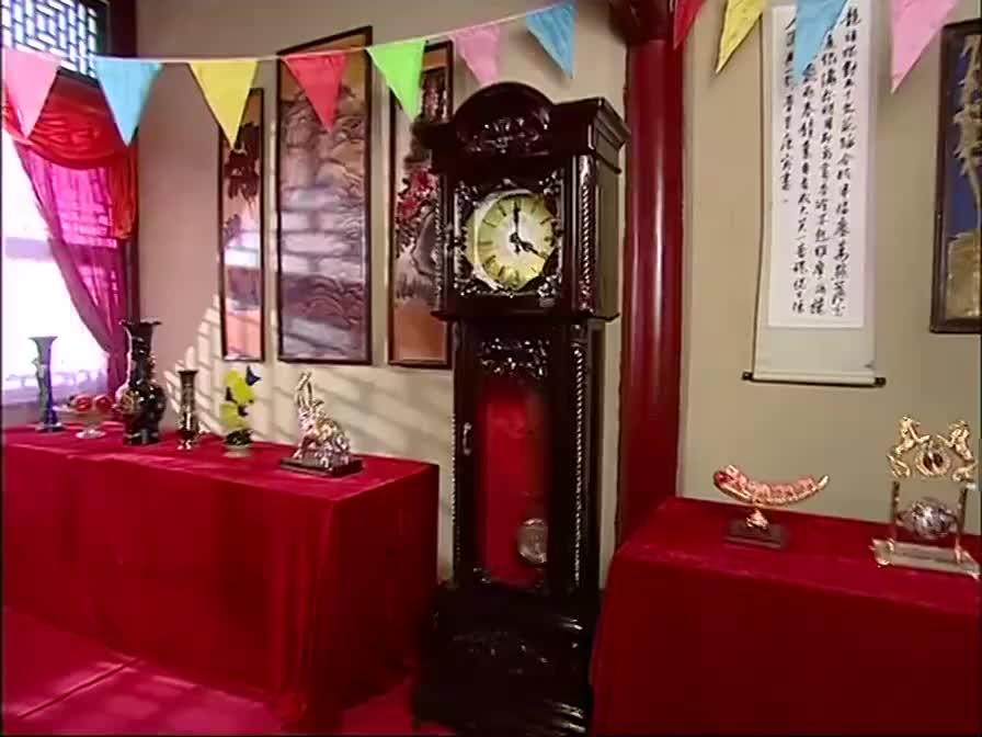 太后生日宴有人送钟,原来是格格情人,大臣开始阴谋论