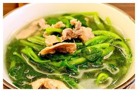 秋后干燥,广东人常用西洋菜煲汤,粗纤维多价值高,一周喝2次好