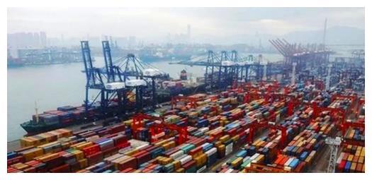 澳洲龙虾堆积变质,竟让中国负责?中国网友:你清醒一点!