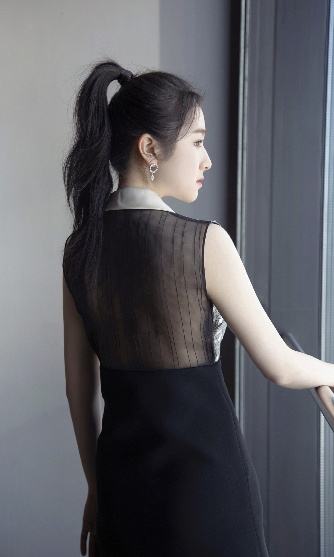 李兰迪百花迎春节目造型美图,你喜欢这样的她吗?