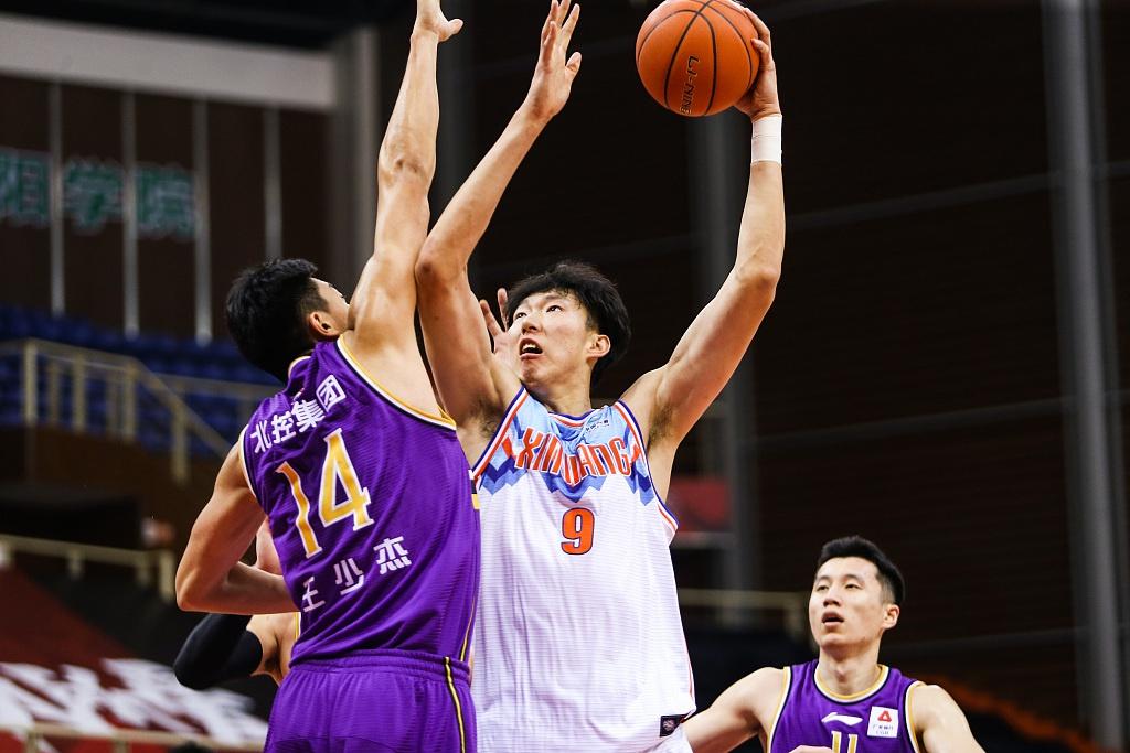 周琦18+9,齐麟+唐才育各24分,新疆男篮123-92狂胜北控CBA2连胜