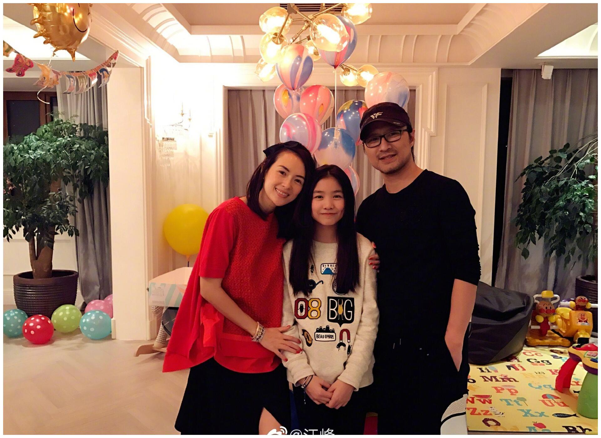 汪峰前妻近照曝光,40岁颜值不输章子怡,离婚近7年独自抚养女儿