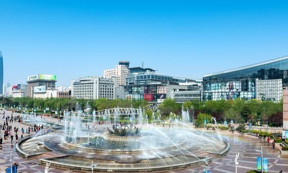 广场泉城,济南接待大厅,济南的第一站