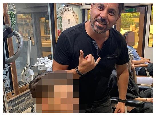 澳洲知名发型师被曝性骚扰!上下其手口无遮拦,被罚5千还很不服