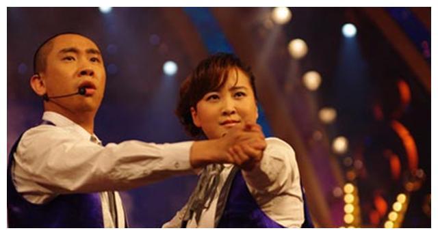 师承冯巩是贾玲的黄金搭档,单飞七年后,白凯南输得彻底